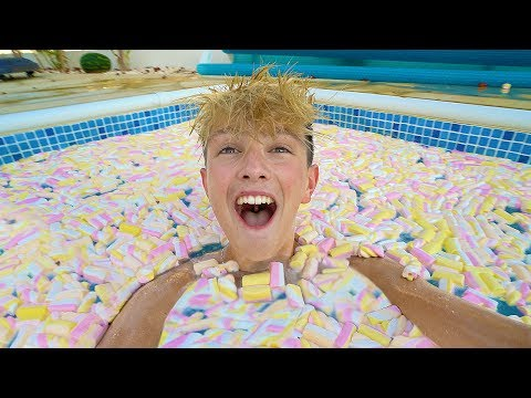 FILLING MY POOL WITH 10,000 MARSHMALLOWS!!!