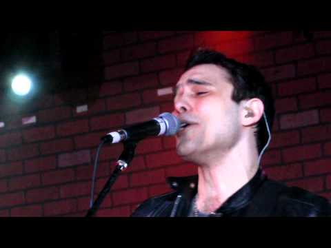 Trapt - These Walls (Live @ Avalon)