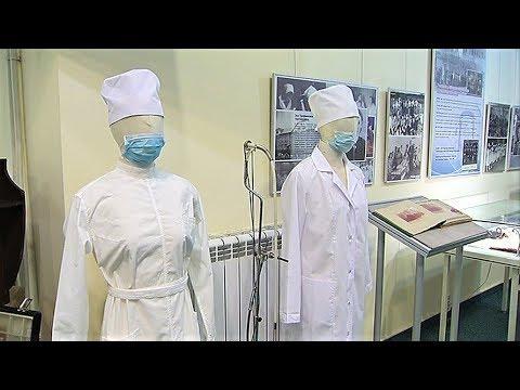 В Ханты-Мансийске показали редкие медицинские экспонаты к юбилею медобразования