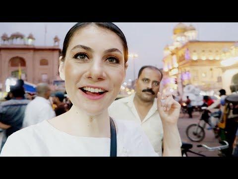 DELHI CHANDNI CHOWK: WHY FOREIGNERS LOVE IT   TRAVEL VLOG IV