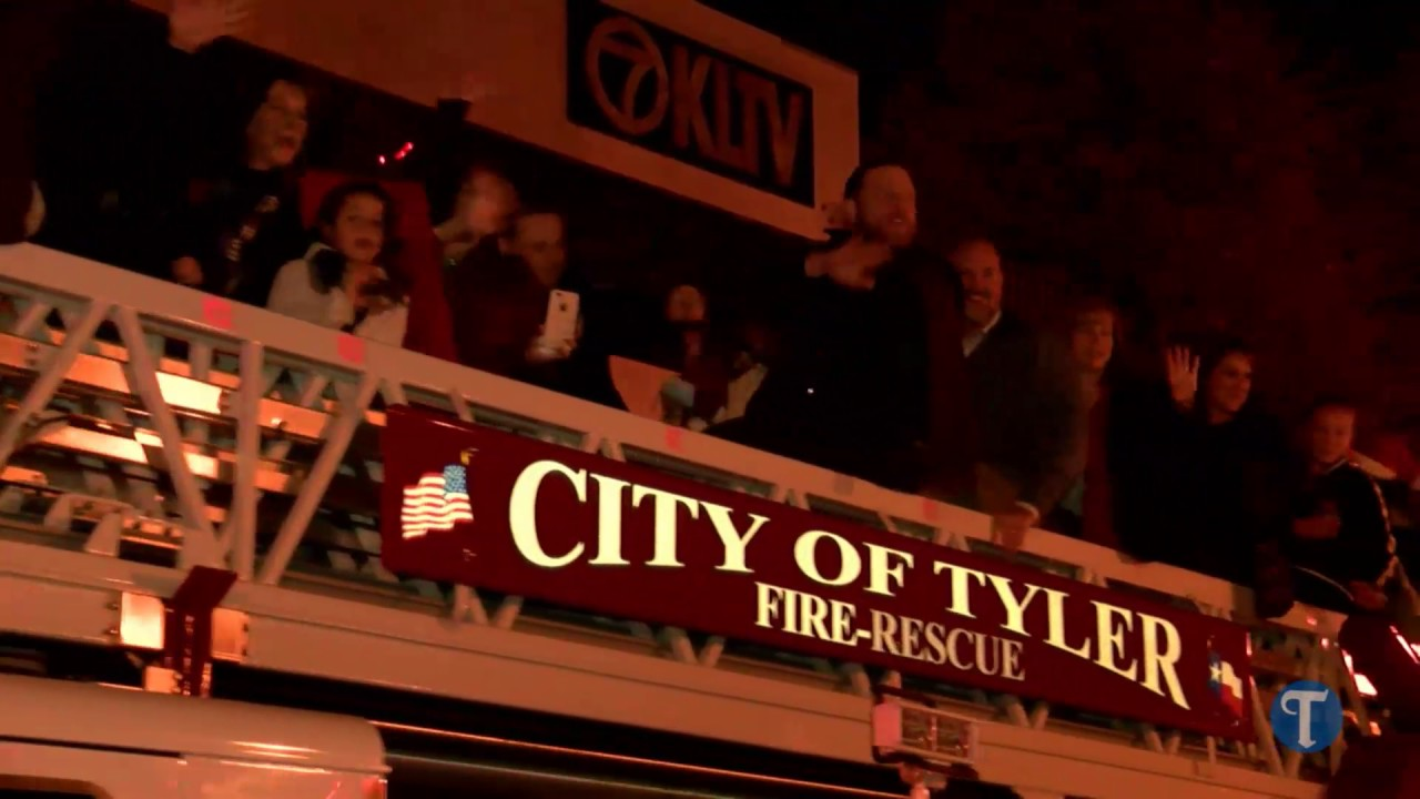 Tyler Christmas Parade - YouTube