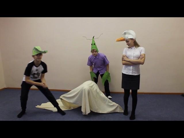Изображение предпросмотра прочтения – «Театральная шкатулка Центр образования №7» читает произведение «Лебедь, Рак и Щука» И.А.Крылова