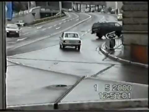 CAR CRASH ACCIDENT 07 / 20