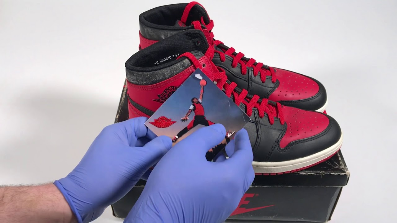 official photos be93c b21b3 Black and Red Vintage Original Nike Air Jordan 1 High From 1985 Banned Bred