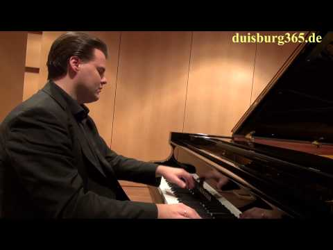 Prof. Henri Sigfridsson mit einer Einstimmung auf die Sparkassen Konzerte der Folkwang Uni Duisburg