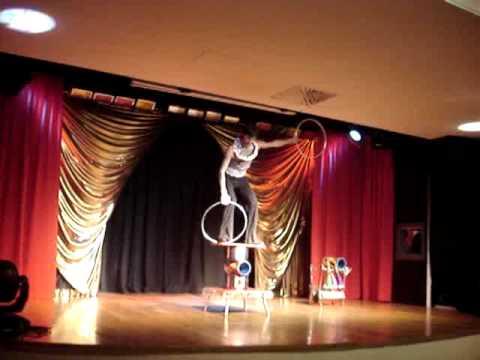 Show Haley Junior- rolo balance-presents Art agency Valentino