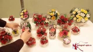 Композиция из красных роз в стеклянном бокале