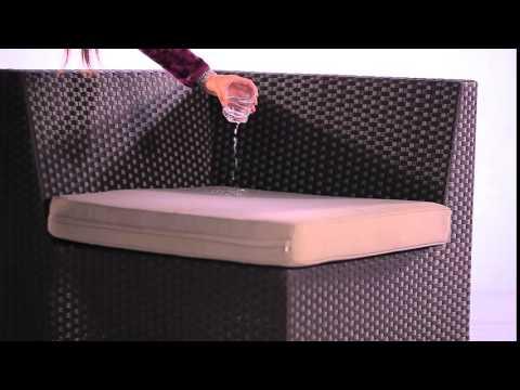 rattan-lounge-polster-wasser-und-schmutz-abweisend