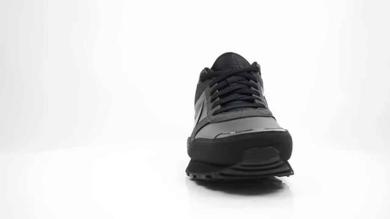 nike md runner black mens