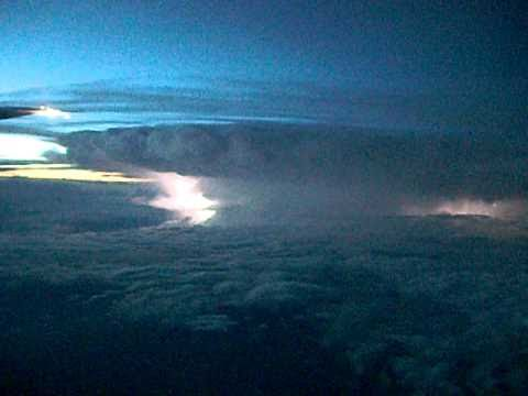 big storm over Nebraska (home from Chicago 035)