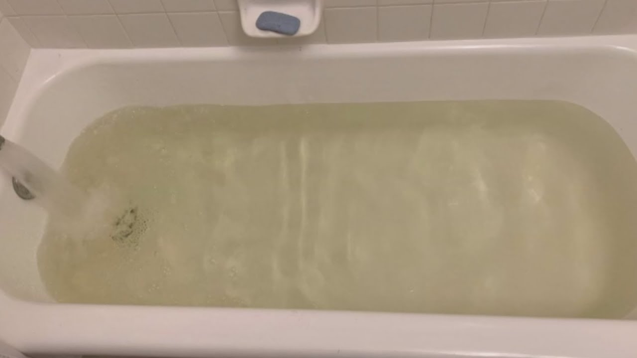 Central Phoenix residents complain about brown, bleach-smelling water