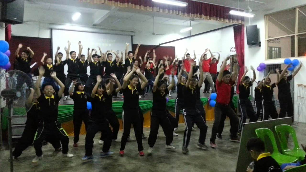 2015年 直涼華僑中學管樂團生活營《蛻變》 早操舞 - YouTube