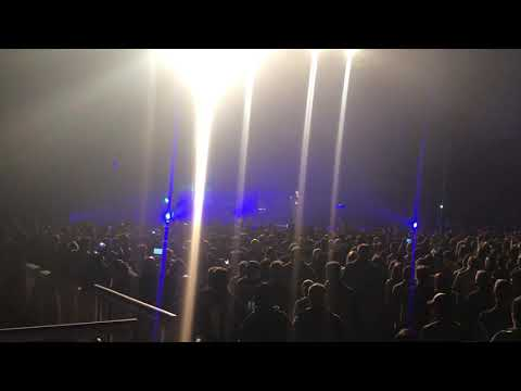 """The human radio"" SHINEDOWN Yakima valley sundome 2018"