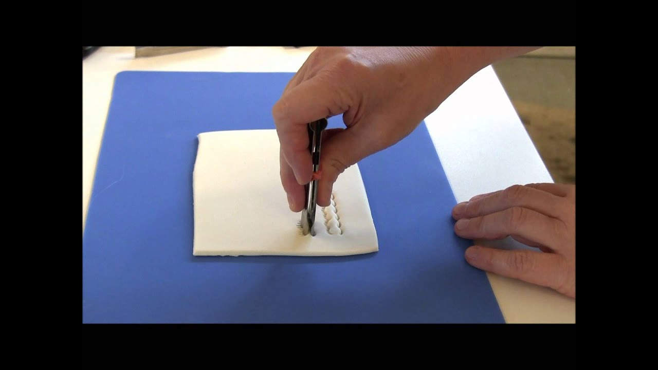 How to Use Fondant Crimpers - YouTube
