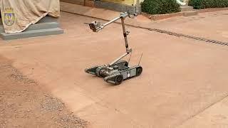 190718 Robot desactivador de explosivos en Malí