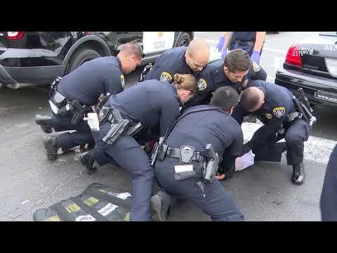 San Diego: Crazed Suspect Bites Officer 09272018