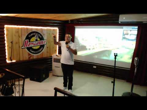 La Cama Vacia canta W en Besame Restaurante Karaoke