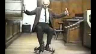 Скамья Жуковского (закон сохранения момента импульса)