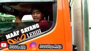 2 truk angkutan jeruk balap sumatra jawa