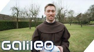 Leben im Zölibat: Deutschlands jüngster Franziskaner-Bruder | Galileo | ProSieben