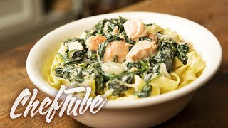 How To Make Tagliatelle With Fresh Spinach And Salmon - Recipe In Description