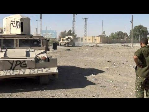 حصري - تحرير مدنيين استخدمهم داعش كدروع بشرية بالرقة
