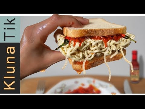 eating-a-spicy-fire-noodle-sandwich!!!-🔥🔥🔥🔥-asmr-mukbang-🔥🔥🔥🔥