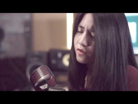 The Chainsmokers - Closer (Cover) by  Keshya Valerie