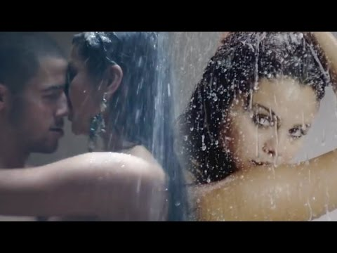 7 STEAMIEST Music Video Shower Scenes