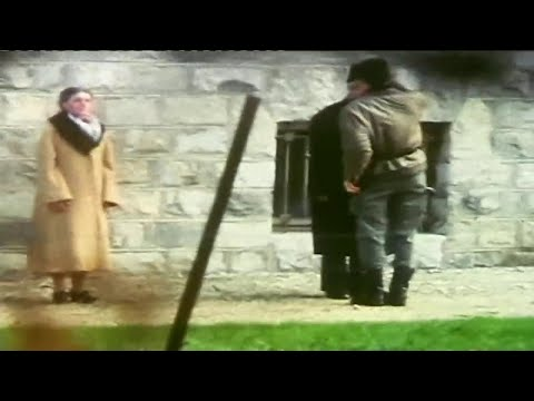 1989 - Romania - Dictator Ceaușescu & Wife Elena Executed by Firing Squad on X'mas Day - 25/12/89