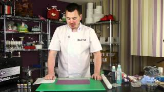 Introduction To Airbrushing In Cake Decorating