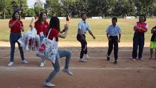 งานเต้นก็มา นางฟ้า Air Asian ใจดี แจกของ วันเด็ก 2019 ทีมหมูป่า ทีมดาราช่อง3 | MaKaTurk (มากะเติร์ก)