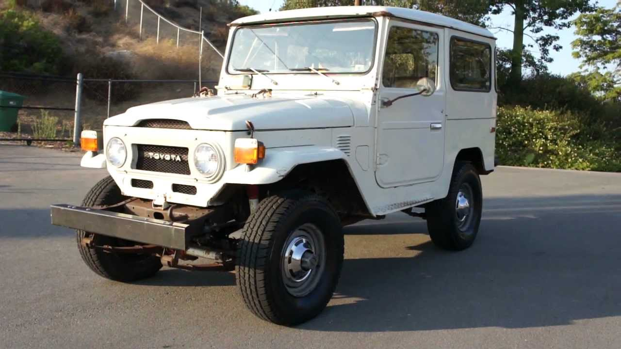 fj40 land cruiser toyota 5 800 original miles paint jeep crawler youtube [ 1280 x 720 Pixel ]