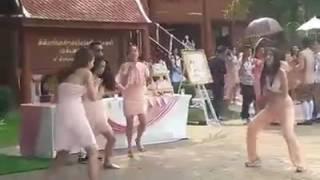 แชร์ว่อนเน็ต !! คลิปสาวไทย เต้นแห่ขันหมาก แบบจัดเต็มเกิน 100