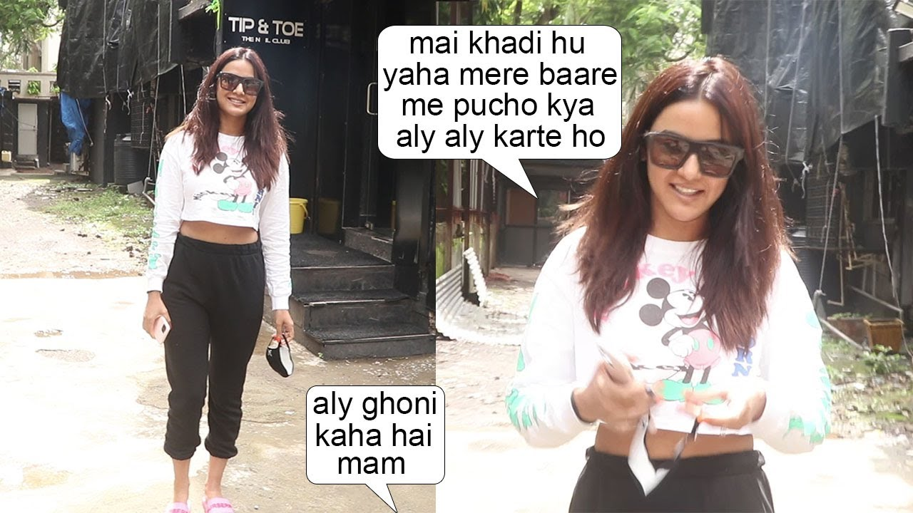 Jasmin Bhasin Gets IRRITATE On Media As  Aly Goni Gettng More Importance Then Her Evn In His Absence