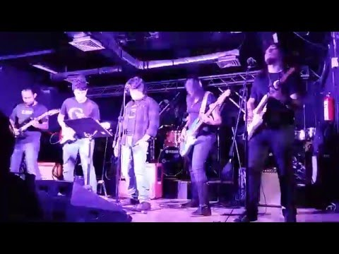 Run to the Hills/ The Trooper Tributo a Iron Maiden