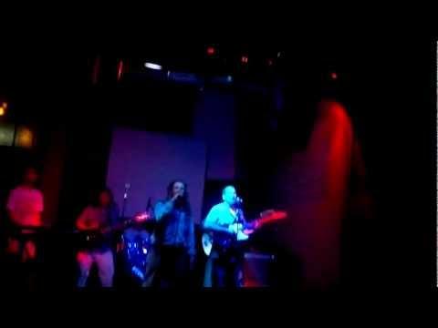 BUMBASSTICK REGGAE ROOTS En DonTelmo Bar 16/12/2011
