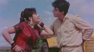 Dilip Kumar bullies Mumtaz - Ram Aur Shyam