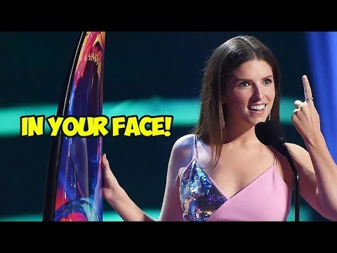 Anna Kendrick Jokingly Disses Ryan Reynolds in 2018 Teen Choice Awards Speech