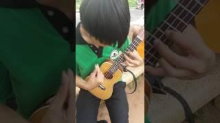 Thập diện mai phục bằng đàn ukulele