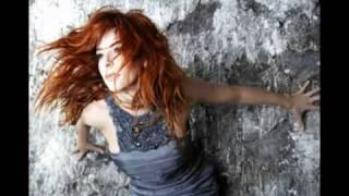 Mylène Farmer - laisse le vent emporter tout.