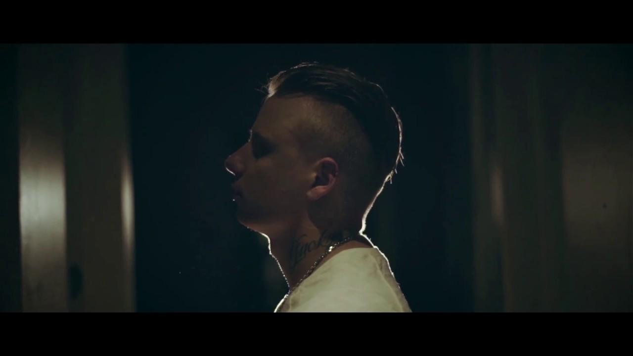 Download Fresh to Death - Újra (Official Music Video)