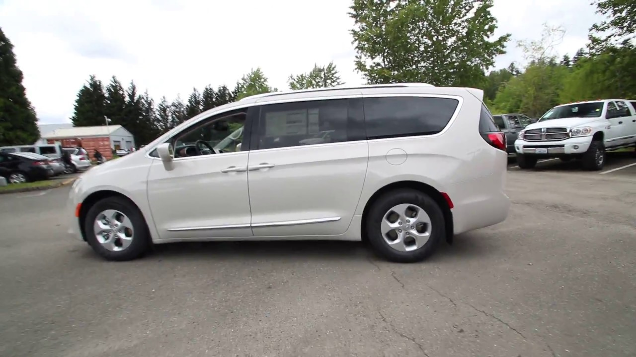 2017 chrysler pacifica touring l plus tusk white hr759775 redmond seattle youtube. Black Bedroom Furniture Sets. Home Design Ideas