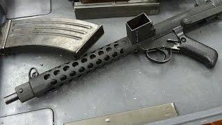 実銃「スターリングMk.4(L2A3)」9mm弾薬のサブマシンガンをフルオート射...