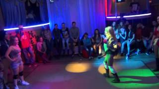 DHQ четверть Fraules vs Gaika (Mr Vegas Bruck it down, Aidonia  - Tip on your toe)