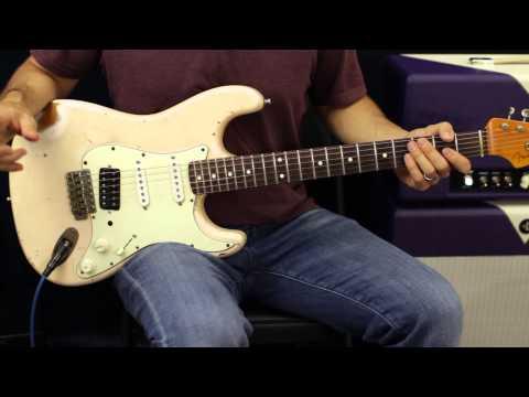 Jam Track - E Major Blues - Mixing Major And Minor Pentatonic - Guitar Lesson - How To Solo