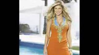 Watch Fergie Mash Out video