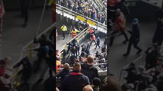 Hertha Berlin fans attacking steward 271018.