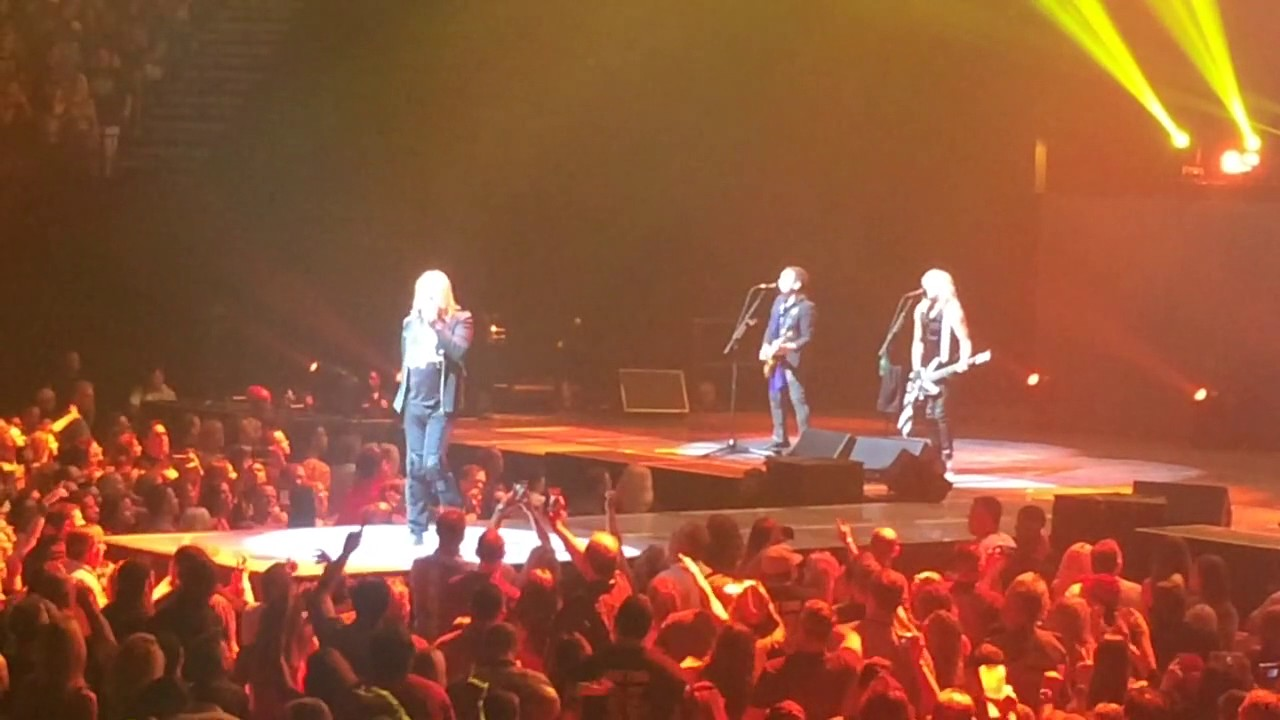 Def Leppard at MGM Grand Garden Arena - YouTube