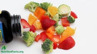 Chrání doplňky s vitamínem C před nachlazením, ale způsobují ledvinové kameny?
